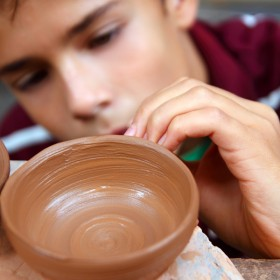 Wandering Arts - Ceramics Lesson